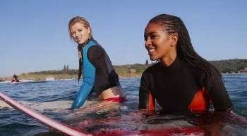 Смотреть кинофильм онлайн Голубая волна 2 / Blue Crush 2 Мелодрама 2011 в хорошем качестве