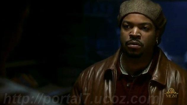 Кадры из нигерской комедии Парикмахерская (2002) (Смотреть кино в хорошем качестве)