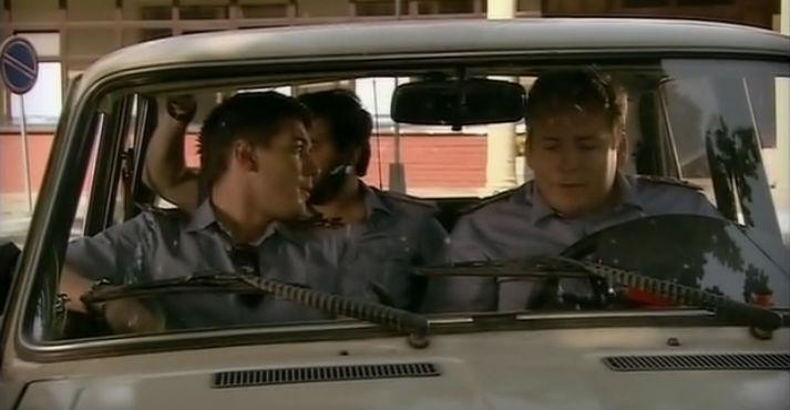 Смотреть онлайн и без регистрации старый русский сериал про ментов и бандитов - Люди шпака (2009) самый смешной сериал